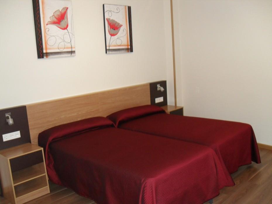 Hostal peregrino habitacion doble 2 camas - Habitacion 2 camas ...
